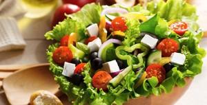 Ingredientes que debes evitar en tus ensaladas