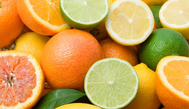Frutas y verduras ricas en vitamina C que no puedes dejar de comer