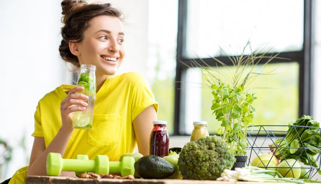 Comida saludable VS. Dietas detox, ¿qué es mejor?