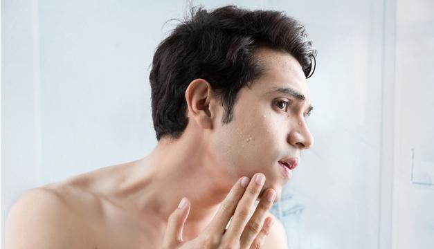 Hombre: guía para cuidar tu piel ¡Básica y necesaria!