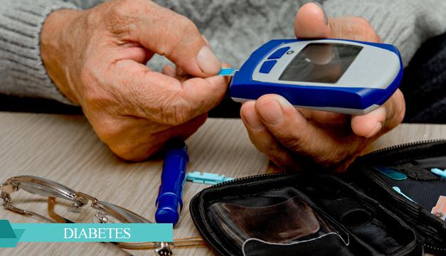 Reconoce tus niveles de azúcar: cómo usar un glucómetro de forma correcta