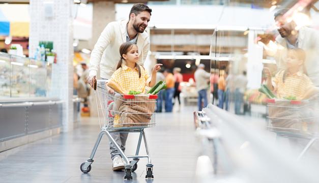 ¿Cómo hacer el super en familia de manera saludable?