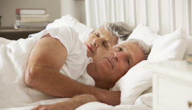 ancianos durmiendo