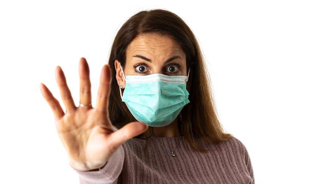 Cinco datos falsos que circulan sobre la pandemia de coronavirus