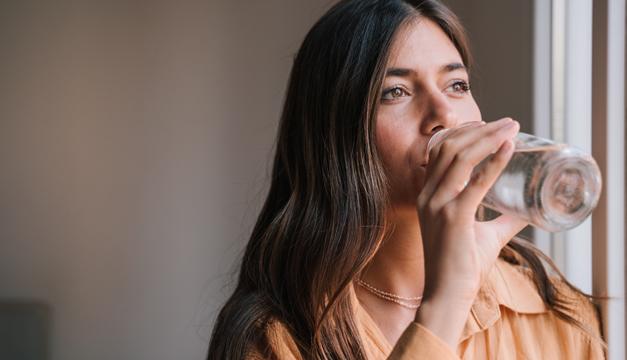 Signos en tu cuerpo que te piden a gritos consumir más agua