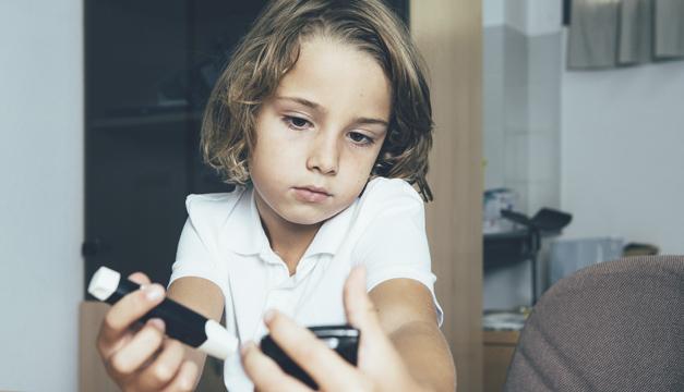 ¿Cómo puede afectar la pandemia de COVID-19 a los niños con diabetes?