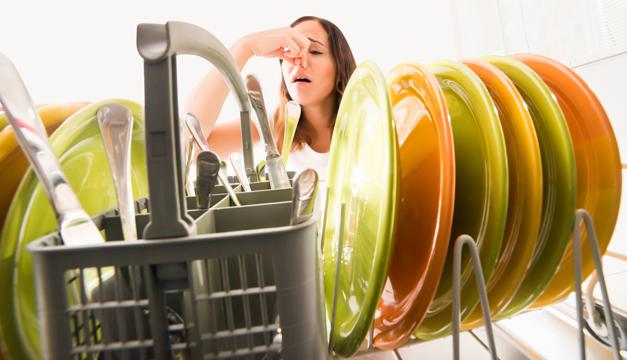 ¿Cómo eliminar los malos olores de la cocina?