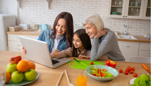 Tres maneras de demostrarle amor a tu mamá en su día aún estando en cuarentena