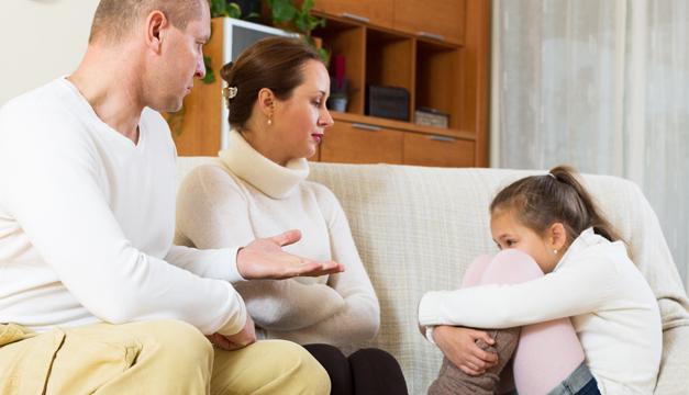 ¿Cómo les afecta emocionalmente tener padres policía?
