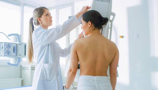 Aumento de cáncer de seno en mujeres a temprana edad