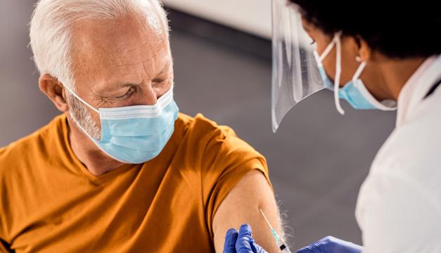 ¿Qué proporción de la población debe vacunarse para que el COVID19 deje de transmitirse?