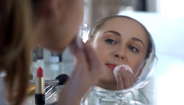 Maquillaje vencido: ¿qué le pasa a tu piel cuando lo utilizas?