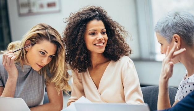 Para celebrar sus 135 años, Avon incluye nuevas herramientas digitales para seguir acompañando a las mujeres