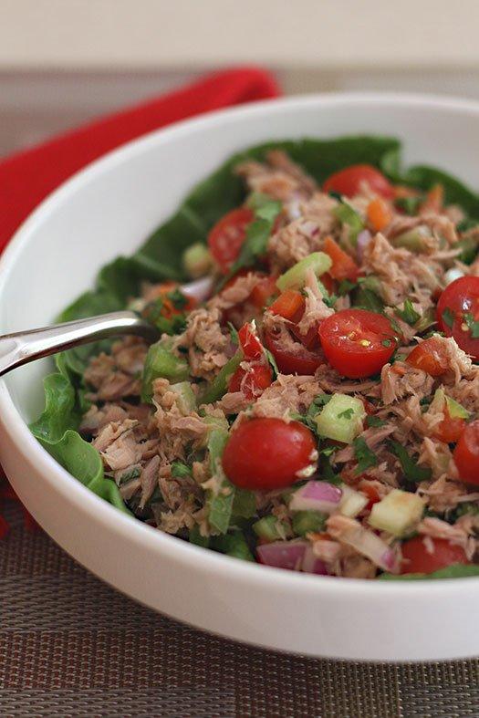 Deliciosa y saludable ensalada de atún